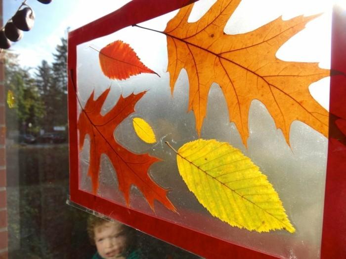 Fensterbilder basteln mit kindern herbstblätter