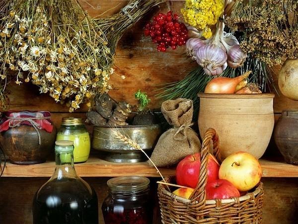 Gartenarbeit im Herbst Obst Gemüse Kräuter