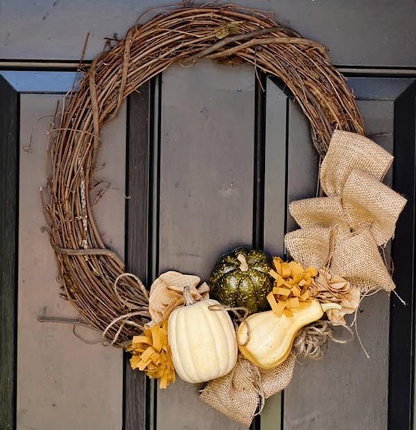 Herbstdeko Gaben der Natur Kranz Haustür einladend