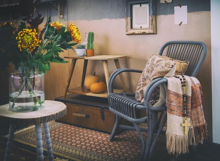 Herbstdeko Möbel im Landhausstil