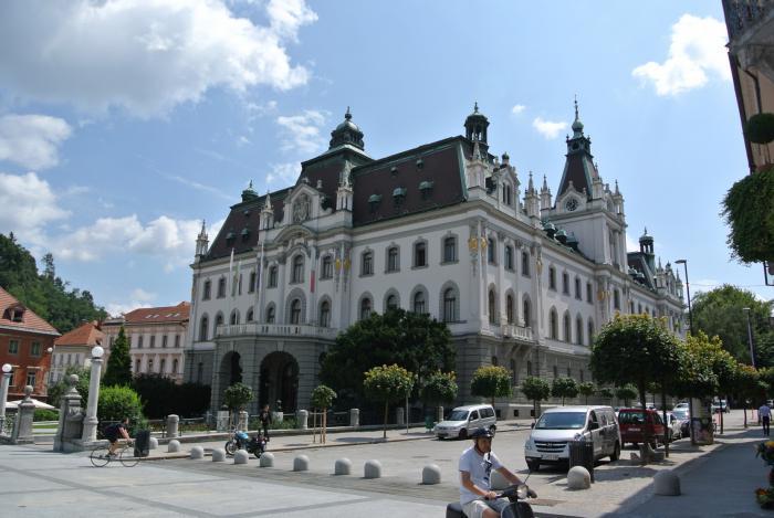 Ljubljana Kongressplatz monumentale Bauten