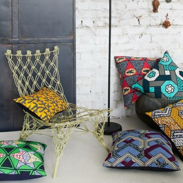 dekokissen stuhl im ethno style