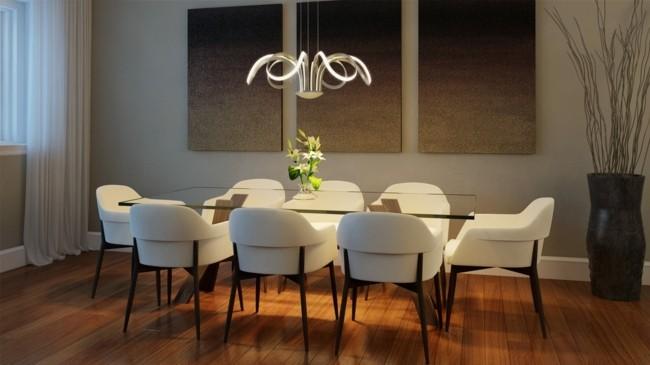 einrichtungsideen schicker leuchter ergänzt die stühle