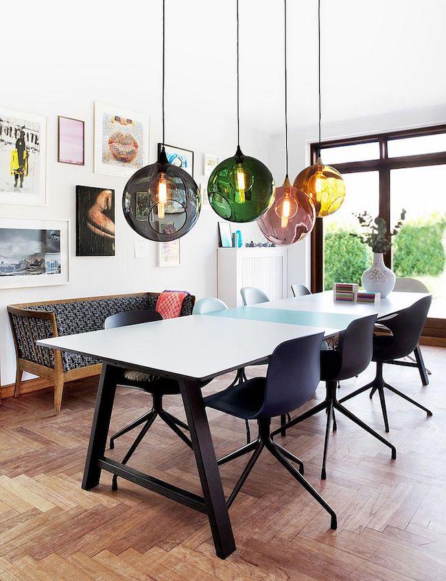 esstisch lampen farbige pendelleuchten schaffen stimmung im essbereich