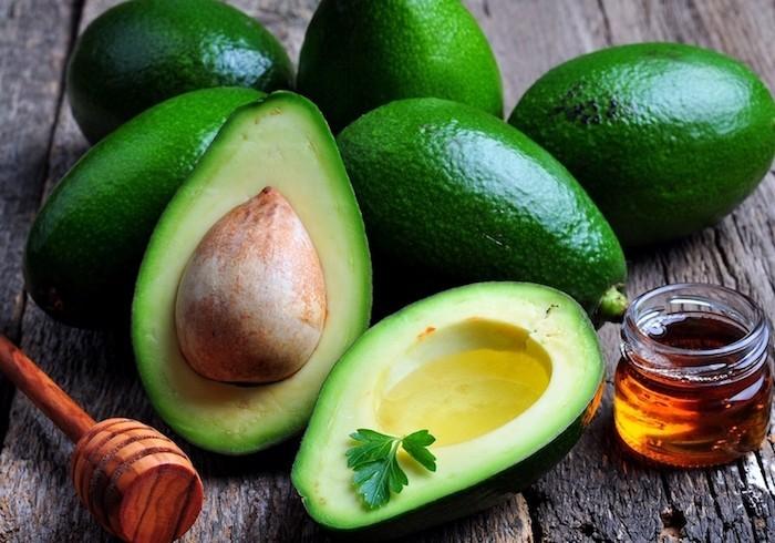 gesundes Mittagessen Avocado