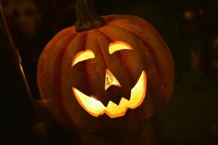 halloween bastelideen kürbis schnitzen