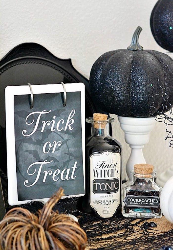 halloween bastelideen mit kürbis und schrift