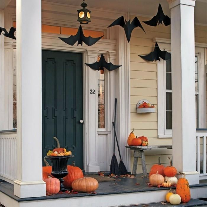 halloween deko ideen für den eingang in schwarz und orange