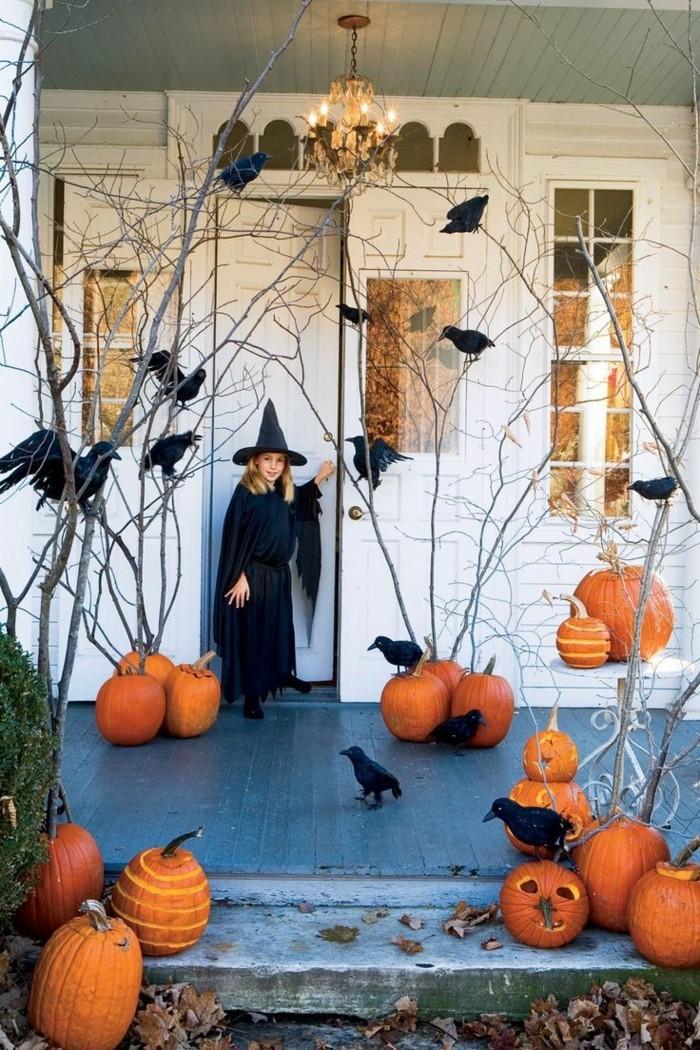 halloween deko ideen mit raben und kürbissen