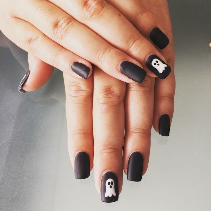 halloween ideen nageldesign mit gespenstern
