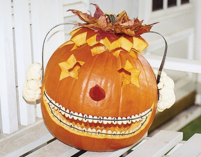 Making gourd lanterns - 51 carving templates and frightening surprises