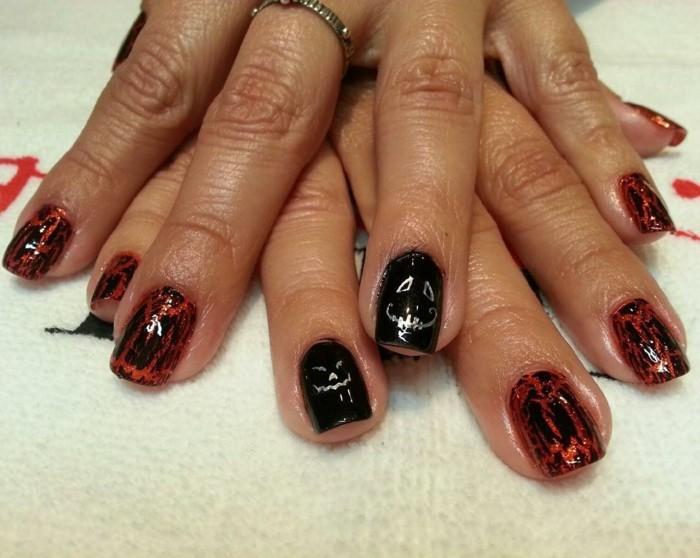 halloween nägel in schwarz rot für einen authentischen look