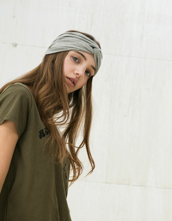 ideen zu bandana binden lässiger look mit haarband