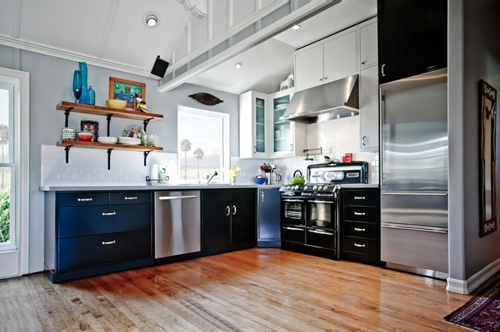 küche einrichten metallische elemente bringen einen frischen hauch