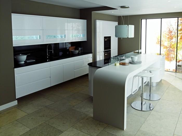 küchenarbeitsplatten weiße und schwarze arbeitsplatten stilvolle farbkombination