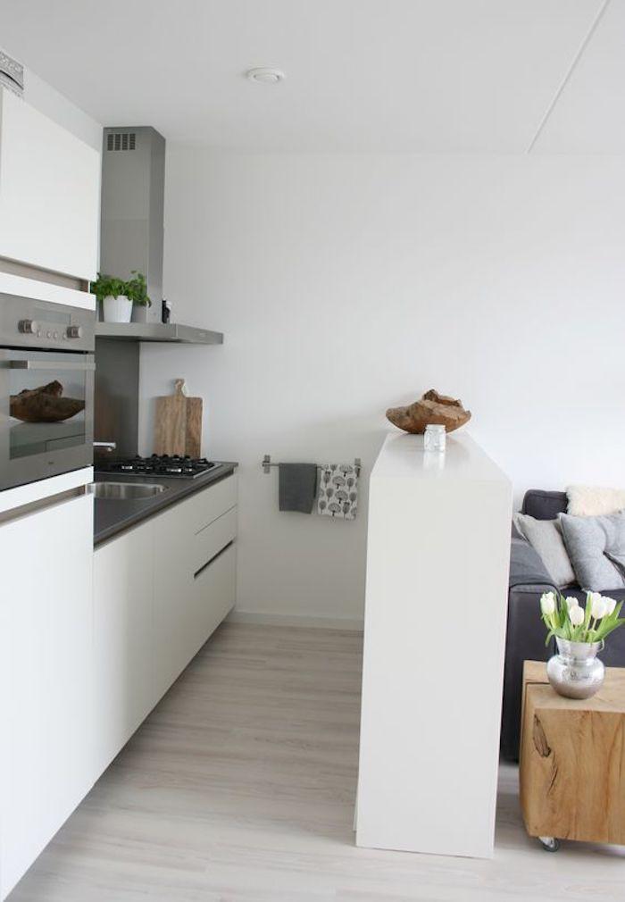 kleine Küche weiß Holz