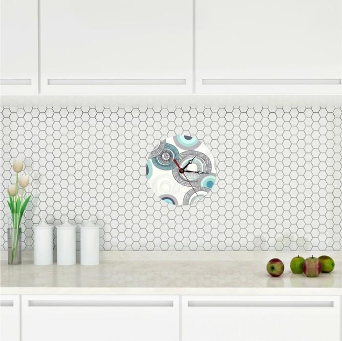 moderne wanduhren für die küche farbiges design