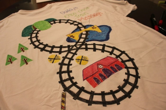 rueckenmassage t shirt design eisenbahn