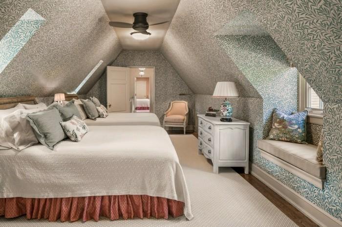 schlafzimmer dachschräge gemütliches innendesign in hellen farben