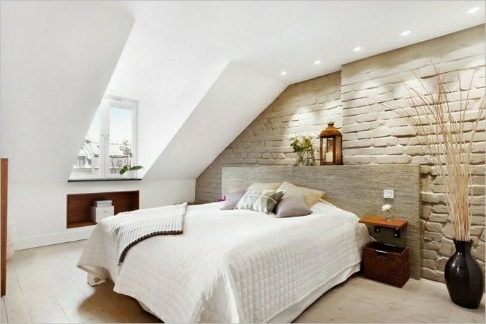 schlafzimmer einrichten schöne akzentwand und dachschräge