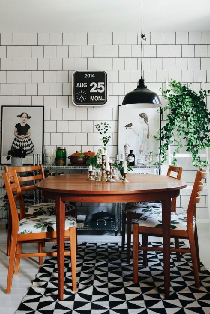 moderne wanduhren was sollte man eigentlich bei der auswahl einer wanduhr beachten. Black Bedroom Furniture Sets. Home Design Ideas
