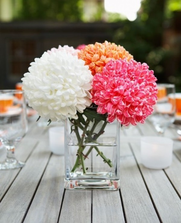 Blumenarrangement bescheiden schön