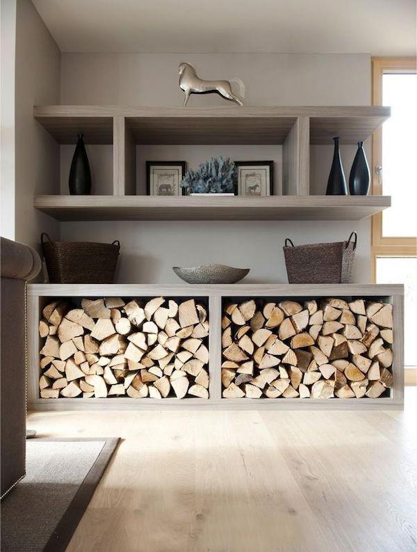 Brennholz Lagerung minimalistisches Zimmer