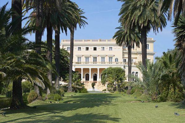 Französische Architektur Villa Les Ceders zum Verkauf