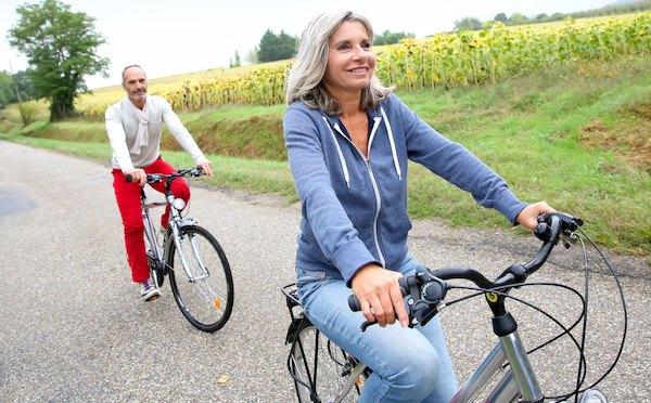 Frau ab 50 Radtour Partner