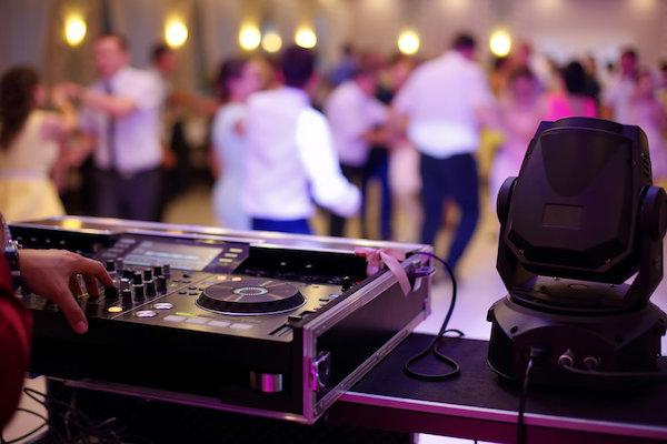 Hochzeitsfeier keine zu laute Musik sonst gestörte Gäste