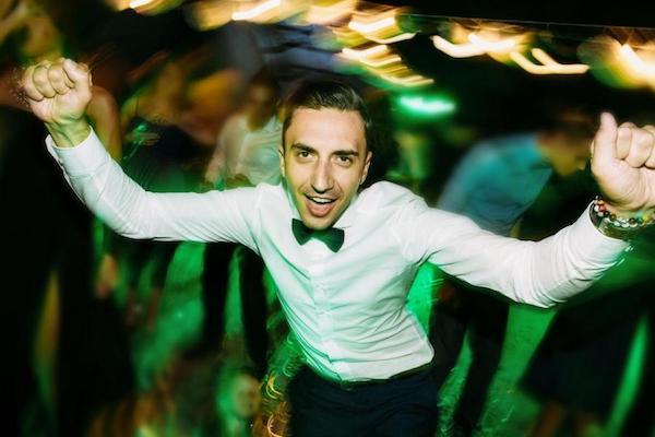 Hochzeitsfeier tanzen sich amüsieren