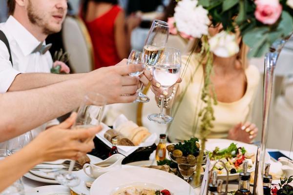 Hochzeitsparty Sitzordnung der Gäste peinliche Situationen vermeiden