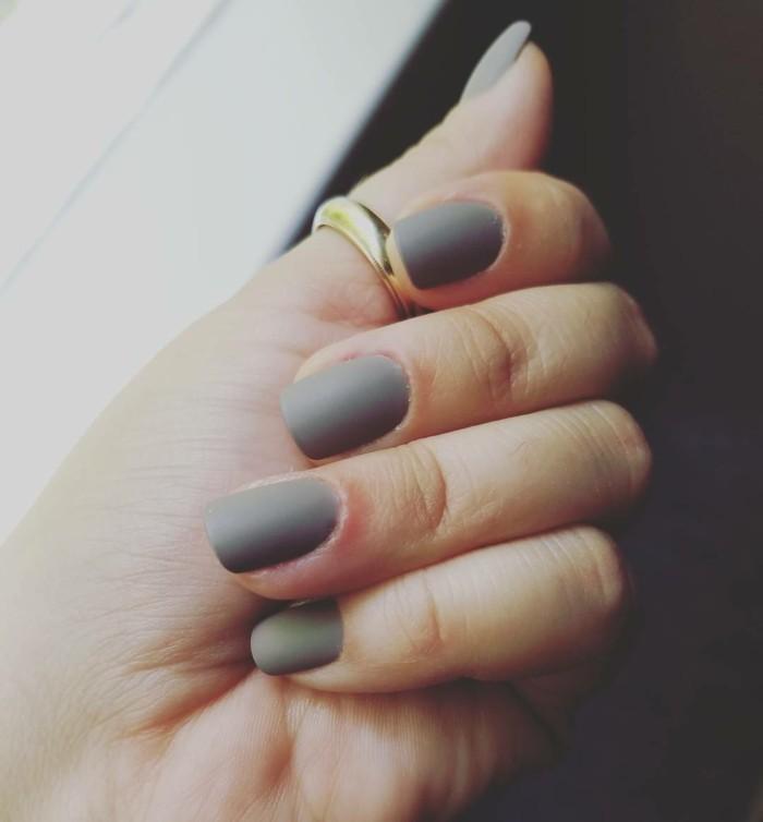 fingernägel design graunuancen herbstfarben