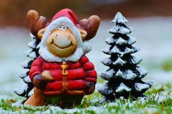 gartendeko-weihnachten-weihnachtsfiguren-gartenideen
