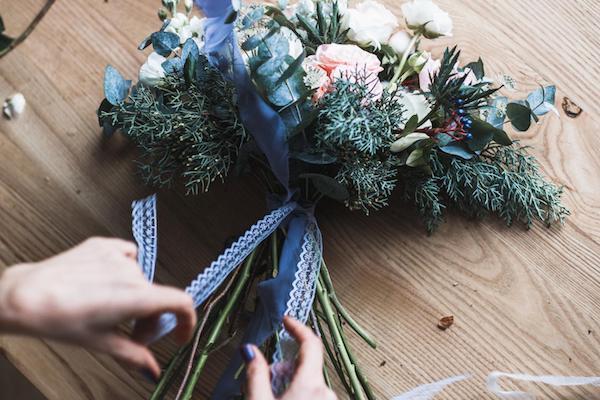 blumengestecke selber machen die basisregeln tipps und tolle ideen. Black Bedroom Furniture Sets. Home Design Ideas