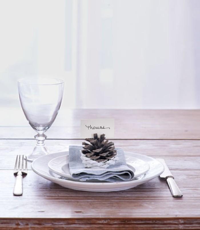 herbstdeko winterdeko basteln mit tannenzapfen kamin weihnachtsdeko tischdeko