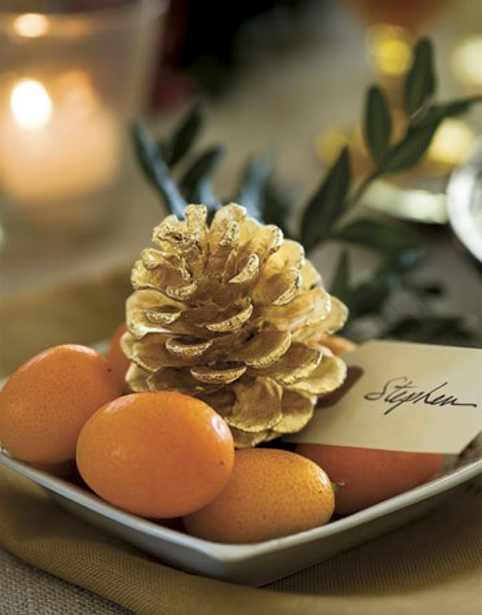 herbstdeko winterdeko basteln mit tannenzapfen kamin weihnachtsdeko vergoldet