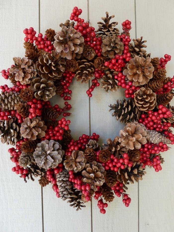 herbstdeko winterdeko basteln mit tannenzapfen kamin weihnachtsdeko wintermaerchen