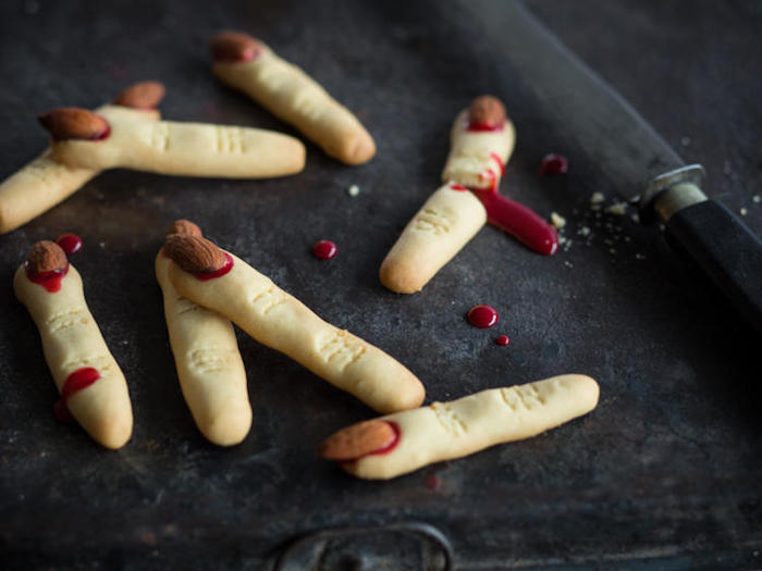 hexenfinger backen mit mandeln und ketchup