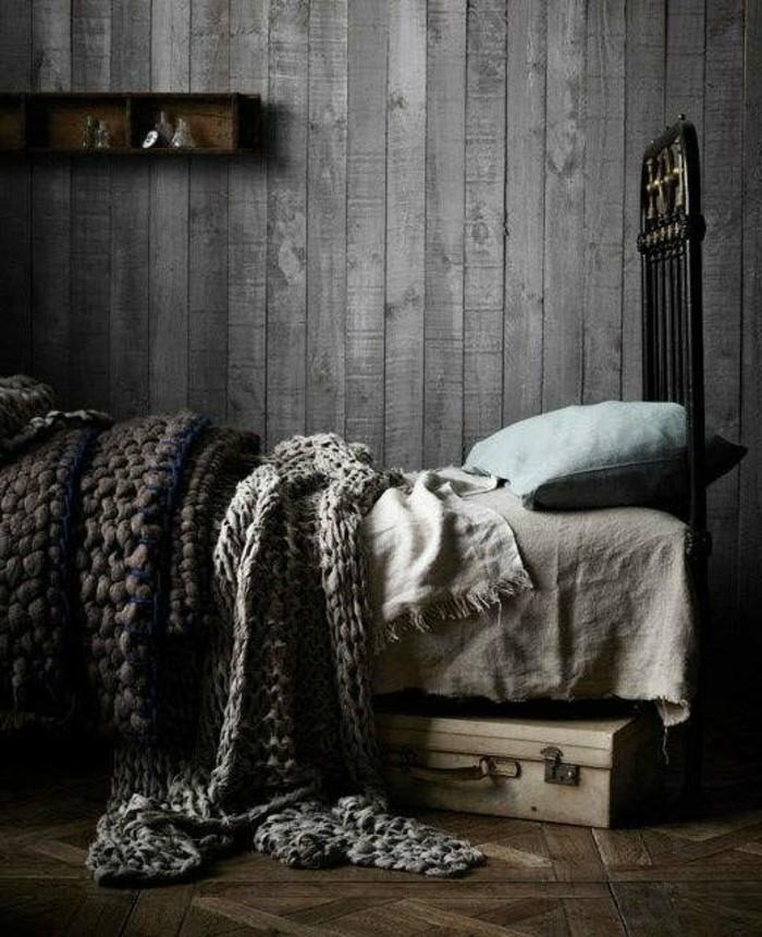ideen zu rustikale holzwaende modernes schlafzimmer gestalten