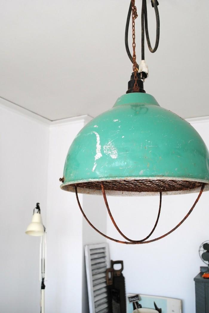industrielampe grüner lampenschirm