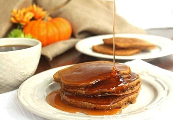 kürbispfannkuchen grundrezept brunch ideen ahornsirup honig