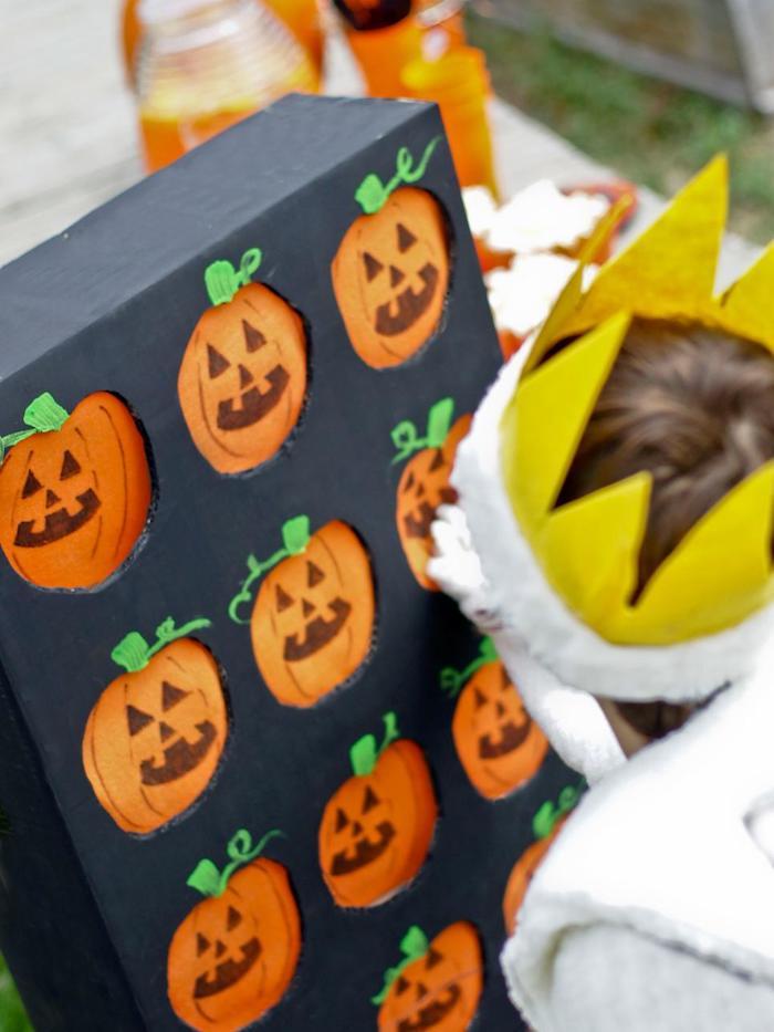 kleine jack o laternen kuerbisse als halloween party deko ideen