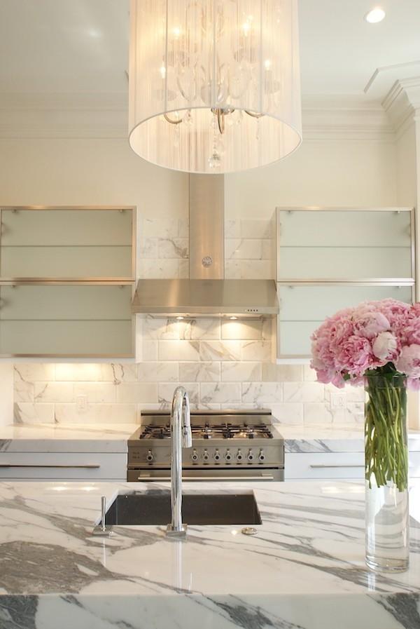 k chenr ckwand welche spritzschutz varianten gibt es. Black Bedroom Furniture Sets. Home Design Ideas