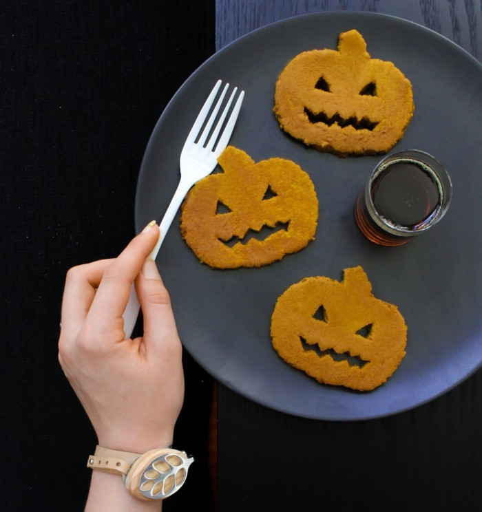 kuerbispfannkuchen backen grundrezept halloween rezepte
