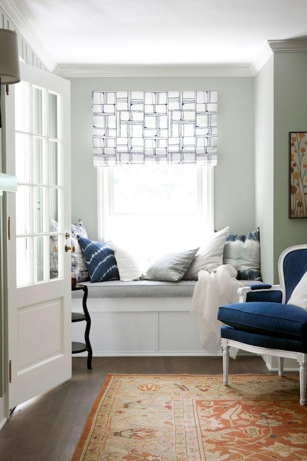leseecke einrichten ideen frische gardinenmuster dekokissen