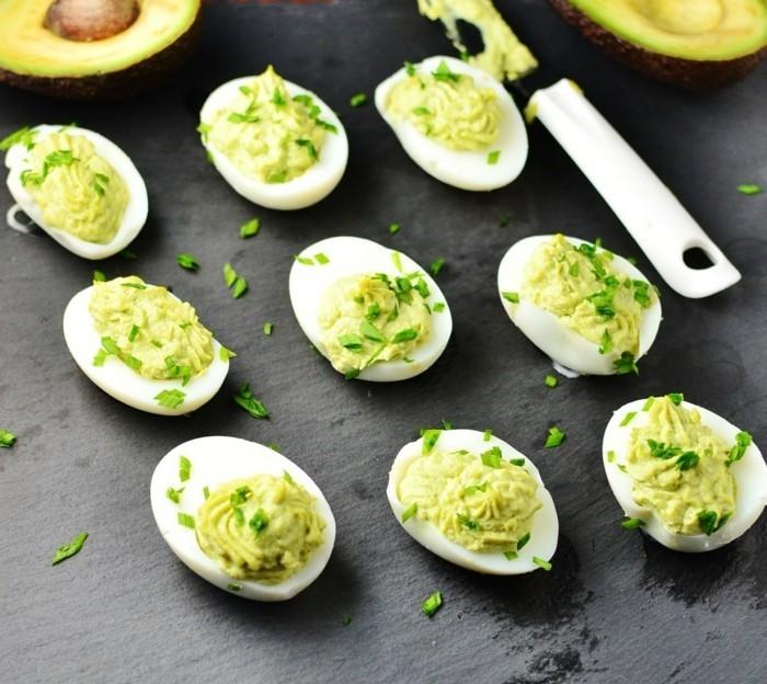 meerrettich rezept heilpflanze eier gefuellt mit avokado und sahnemeerrettich