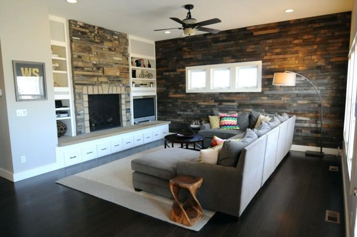 moderne wandgestaltung hölzerne akzentwand wohnzimmer hellgrauer teppich