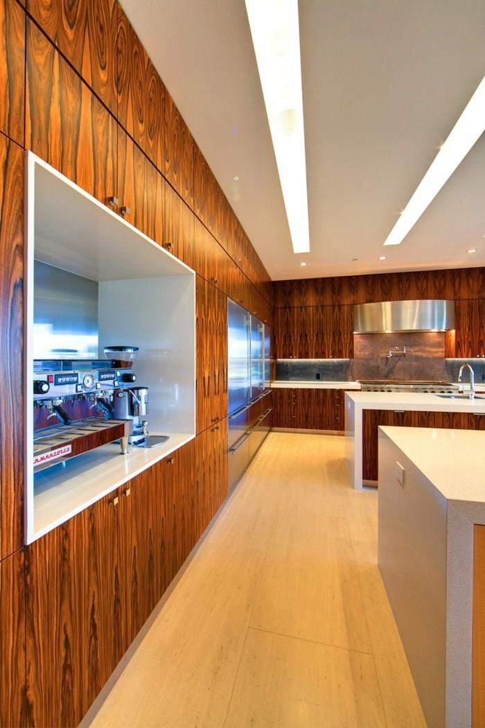 moderne wandgestaltung küche holzpaneele moderne beleuchtung