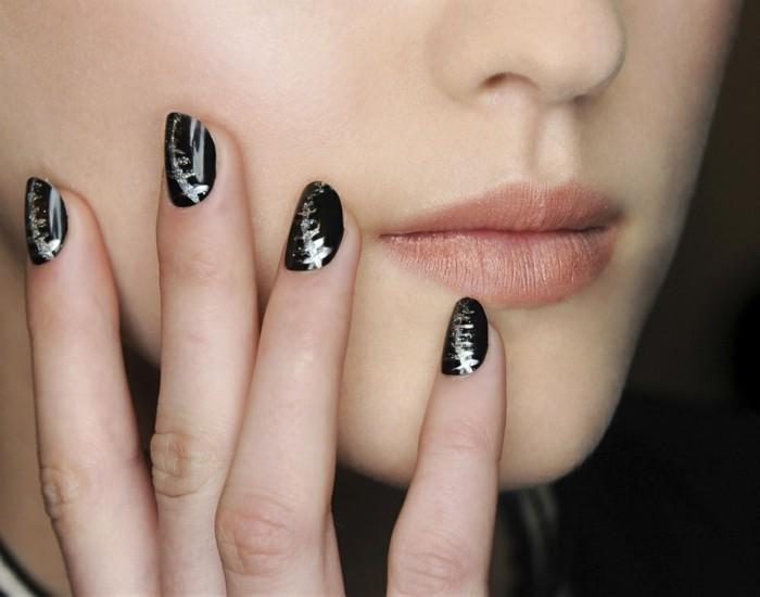 nageldesign herbst schwarzer nagellack silberne akzente